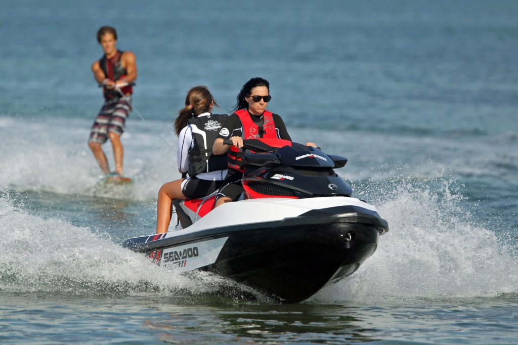 2013 Sea-Doo WAKE PRO 215 - Action 5