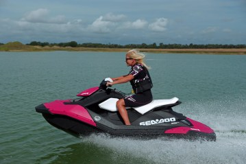 2014 SEA-DOO SPARK 2UP_ACTION4