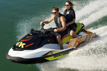 2014 SEA-DOO WAKE 155_ACTION7